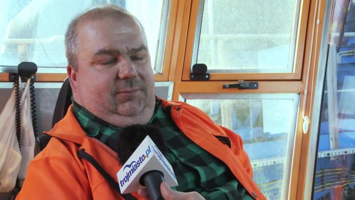 Ma moc 720 czajników elektrycznych, mierzy ponad 115 metrów, aw ciągu godziny może przerzucać tysiące ton węgla. Zobacz potężną ładowarko-zwałowarkę wPorcie Północnym.