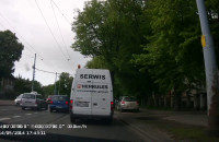Nieodpowiedzialny manewr taksówkarza na al.Hallera