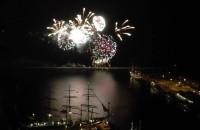 Pokaz fajerwerków na zlocie żaglowców w Gdyni
