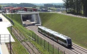Pierwszy pociąg na testach linii PKM