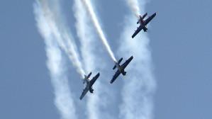 Pokazy akrobacji śmigłowcowej i lotniczej - Red Bull