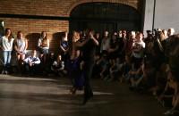Pokaz tańca podczas otwarcia So Salsa