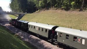 Pociąg retro z premierem