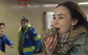 Sonda: Czy da się zjeść pączka nie oblizując się?