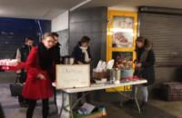 Darmowy posiłek w tunelu dworca w Gdańsku