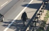 Pijany mężczyzna na obwodnicy w kierunku Gdańska
