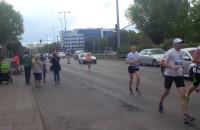 Biegacze i auta nie przeszkadzali sobie
