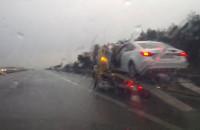 Skutki uderzenia w barierki na autostradzie A1