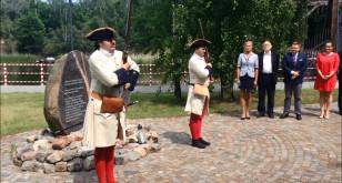 Uroczystość pod pomnikiem Roberta de Plélo