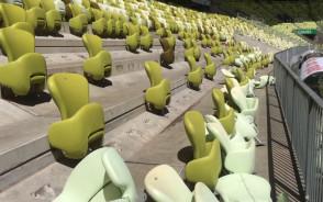 Demontaż krzesełek na Stadionie Energa Gdańsk