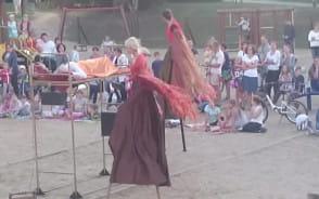Teatr na placu zabaw.  Górna Orunia
