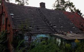 Łostowice - stary niszczejący dom