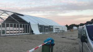 Duży namiot na plaży w Sopocie