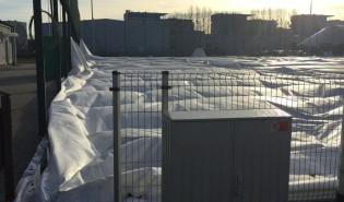 Zdemontowana hala namiotowa na Zaspie