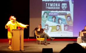 Michał Kempa podczas roastu Tymona Tymańskiego