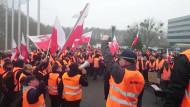 Skoczny protest pracowników Lotos Kolej