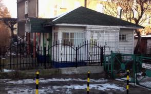 Pusty budynek w Oliwie