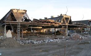 Rozbiórka dawnego budynku Polmozbytu