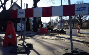 Rozkopany chodnik na Hallera, ruszyła budowa nowej ścieżki rowerowej