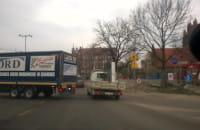 Ciężąrówka zatarasowała skrzyżowanie w Gdańsku