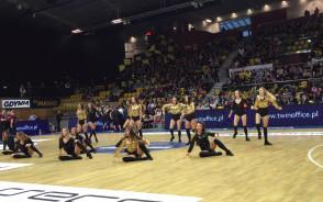 Cheerleaders Gdynia na derbach Trójmiasta