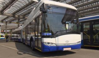 Przegubowy trolejbus na testach w Gdyni