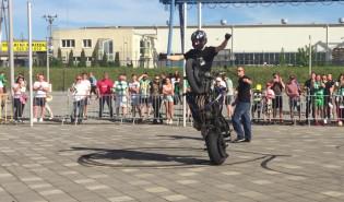 Pokazy motocyklowe przed meczem Lechii