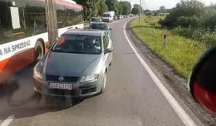 Awaria autobusu na elicie do Pruszcza