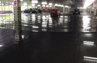 Zalany parking podziemny w gdyńskim Kauflandzie
