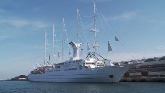 Największy pasażerski żaglowiec świata zawinął do Gdyni