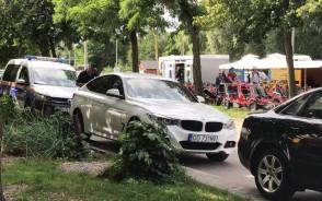 Straż miejska czyści parking w Brzeźnie