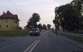 Samobójca pod prąd na rowerze