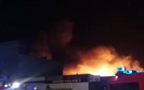 Pożar hurtowni części motoryzacyjnych w Wejherowie