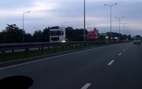Parada ciężarówek na Sucharskiego