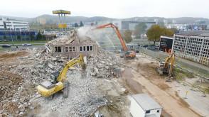 Końcówka rozbiórki budynku przy al. Grunwaldzkiej w Oliwie