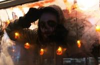 Spotkanie fanów Instagrama w mrocznym tramwaju