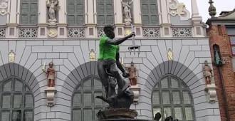 Neptun dostał zieloną koszulkę na Dzień Wolontariusza