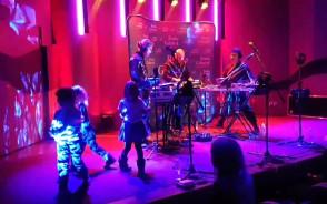 Dzieci opanowały scenę podczas koncertu Metropolia jest Okey