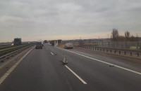 Przewrócona ciężarówka na obwodnicy południowej