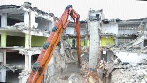 Burzenie budynku CEZAL-u