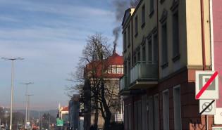 Czarny dym z komina w Oliwie, co na to Straż Miejska?