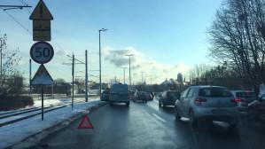 Kolizja na WZ lewy pas przed centrum zajęty