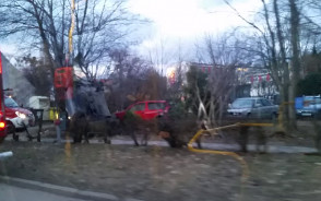 Dachowanie i kolizja auta w Oliwie
