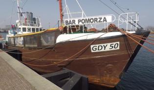 Kuter-bar po prawie 20 latach zniknie z Nabrzeża Pomorskiego