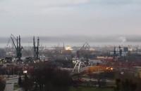 Dym nad miastem po pożarze