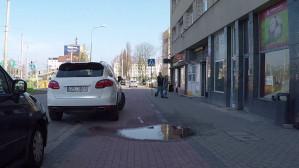 """Droga """"rowerowa"""" w Gdyni tylko z nazwy"""