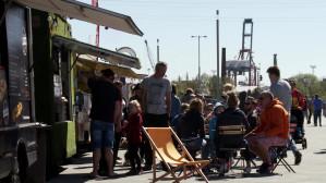 Food trucki przy stadionie Energi