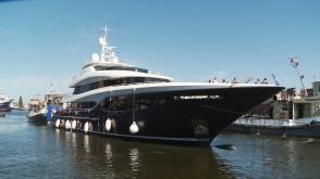 Wodowanie jachtu motorowego Viatoris