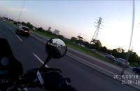 Codzienność motocyklisty na rondzie