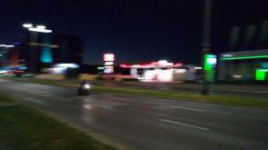 Nocne wyścigi motocykli